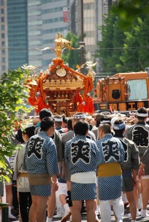 ゴールデンウィーク中盤戦は鉄砲洲稲荷神社のお祭りへ!
