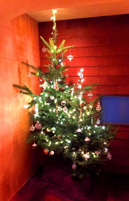 恒例のクリスマスツリー 銀座本店