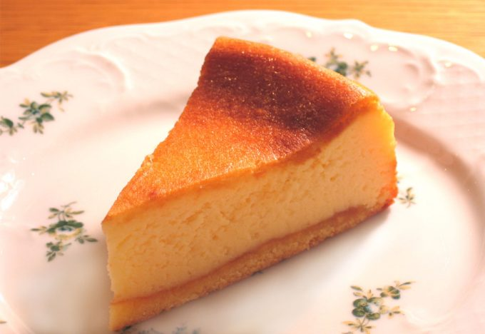本日のHAPPY WEDNESDAY!!はベイクドチーズケーキが20%FF